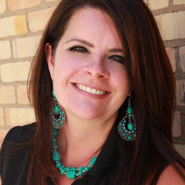cedar-park-tx-hair-stylist-Laurie-Lee-Lentz.jpg
