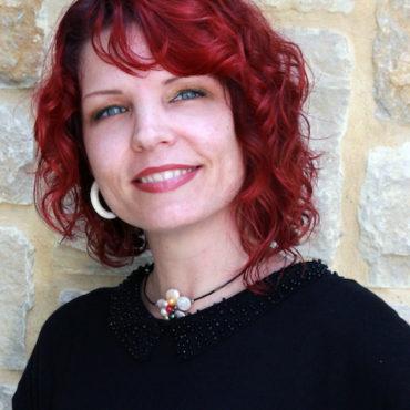 round-rock-tx-hair-stylist-Kelli-Ewing.jpg
