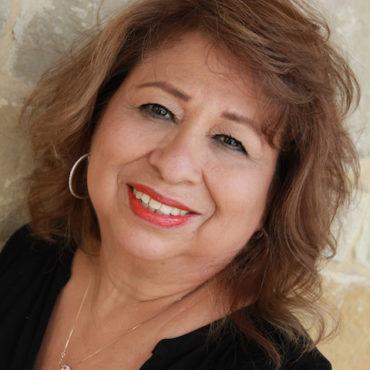 round-rock-tx-hair-stylist-Maria-Rodriguez.jpg