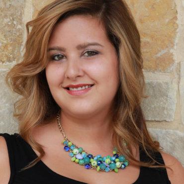 round-rock-tx-hair-stylist-Noelle-Valentina.jpg