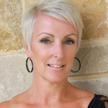pflugerville-tx-hair-stylist-Dawn-Nelson.jpg